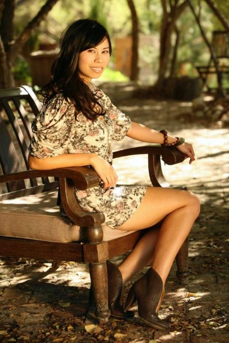 Camille Mana - New Photos