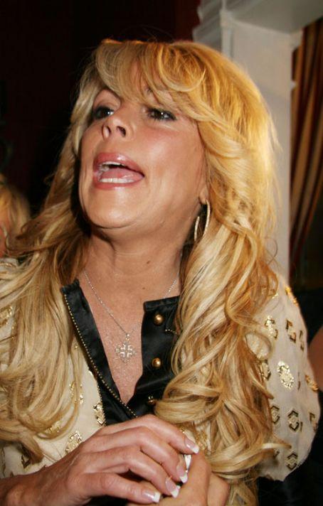 Dina Lohan
