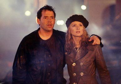 Maria Pitillo  and Matthew Broderick in Godzilla (1998)
