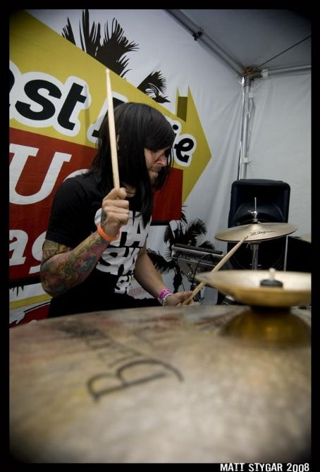 Motionless In White  - Warped Tour 2008
