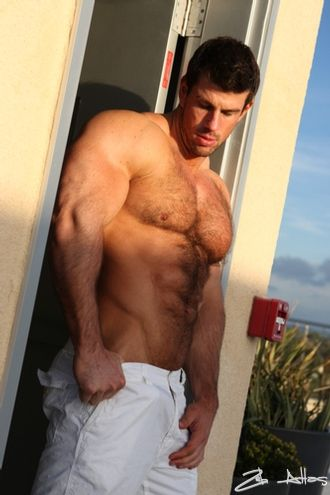 Zeb Atlas he so sexy!