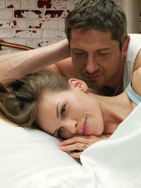 "P.S. I Love You HILARY SWANK stars as Holly Kennedy and GERARD BUTLER stars as Gerry in Alcon Entertainment's romantic comedy "","" distributed by Warner Bros. Pictures. Photo by Norman Jean Roy. TM & © 2007 Warner Bros. Entertainment Inc."