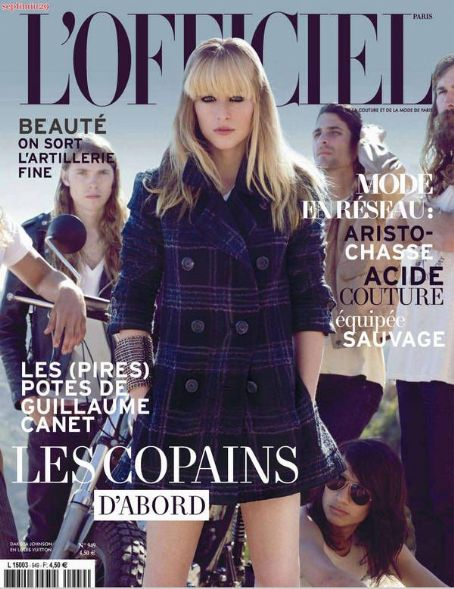 Dakota Johnson L'Officiel France October 2010