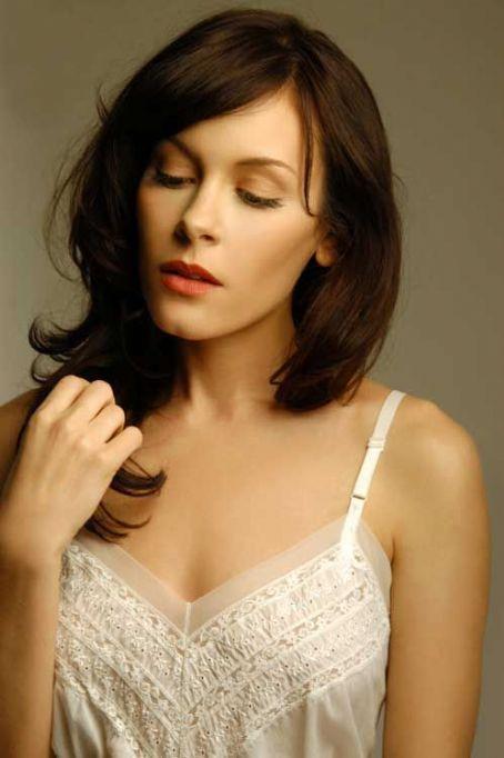 Lauren Carter - Wallpaper Actress