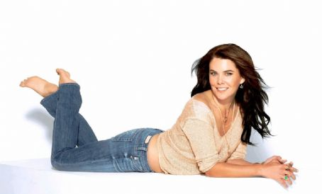 Lauren Graham - Self Magazine Pictorial [United States] (October 2011)