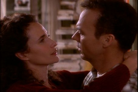 Michael Keaton  and Andie MacDowell