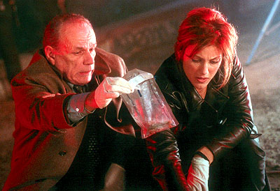 Don't Say a Word Victor Argo and Jennifer Esposito in 20th Century Fox's Don't Say A Word - 2001