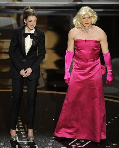 Anne Hathaway and James Franco hosting Academy Awards 2011