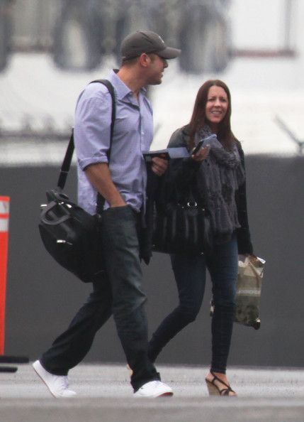 Pattie Mallette Justin Bieber arrives on a private jet at LAX airport with his parents on a rainy day in Los Angeles