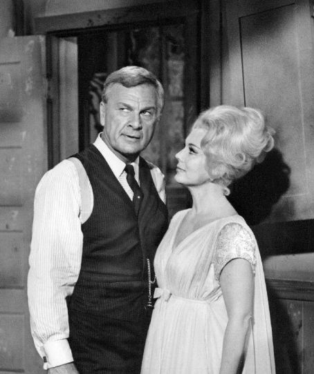 Eddie Albert and Eva Gabor Oliver...AreYou Ready For Your Hotcakes?