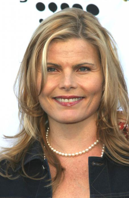 Mariel Hemingway  - 14 GLAAD Media Awards 2009
