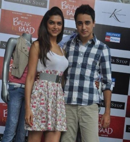 Break Ke Baad - Imran Khan and Deepika Padukone at Shoppers Stop Break ke Baad Merchandise launch at PVR