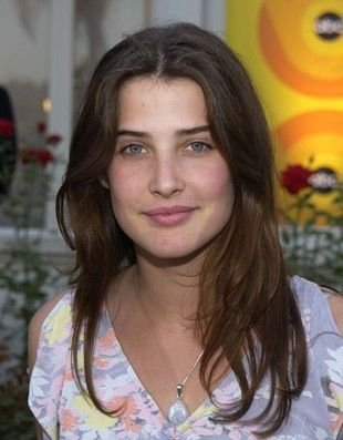 Cobie Smulders  in 2002