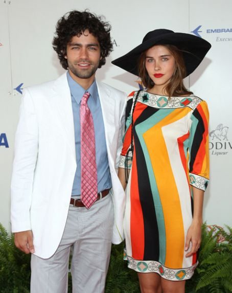 Isabel Lucas Adrian Grenier and