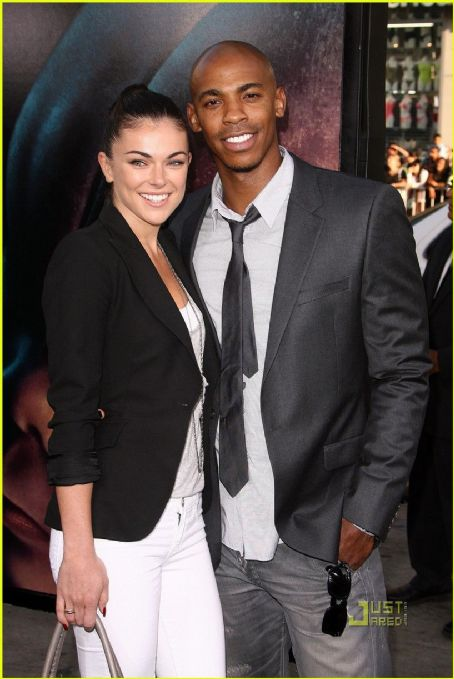 Serinda Swan  and Mehcad Brooks