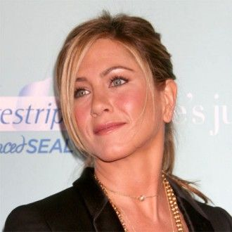 Jennifer Aniston is in awe of Courteney Cox-Arquette's daughter. Skip related content