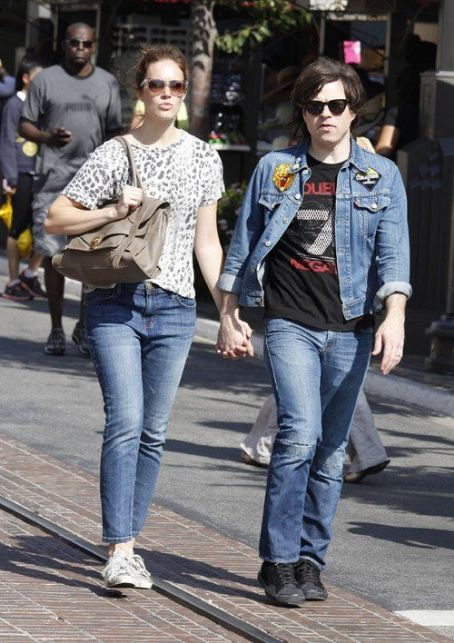 Mandy Moore and Ryan Adams Mandy Moore and husband Ryan Adams shopping at Barnes and Noble in West Hollywood, CA (August 4)