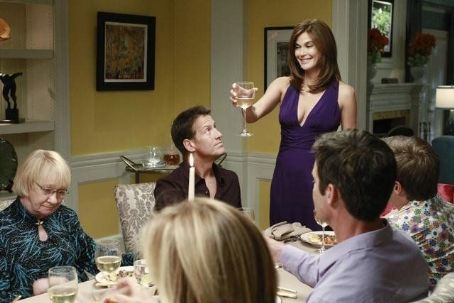 Teri Hatcher - Photo Gallery - Desperate Housewives