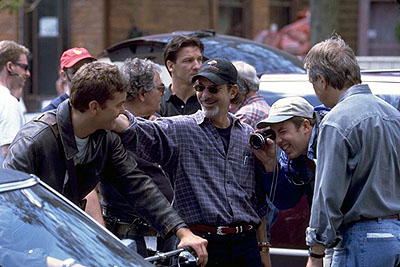 Rob Cohen Joshua Jackson and Director  on the set of Universal's The Skulls - 2000