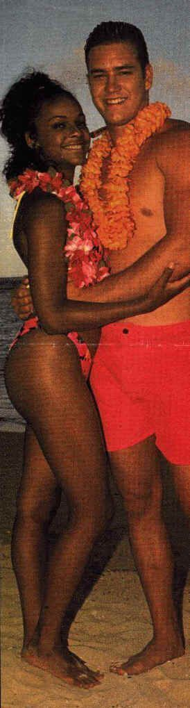 Mark-Paul Gosselaar and Lark Voorhies