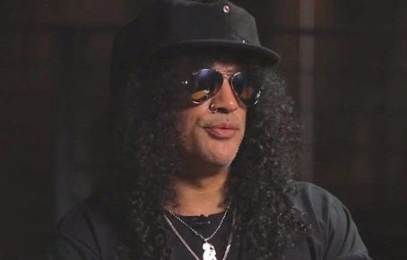 SLASH TO GUEST ON 'CONAN'