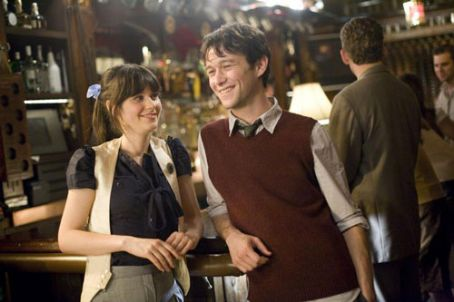 Joseph Gordon-Levitt and Zooey Deschanel Pics