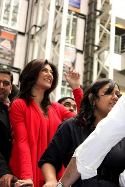 Sushmita Sen launches Naturals Unisex Salon