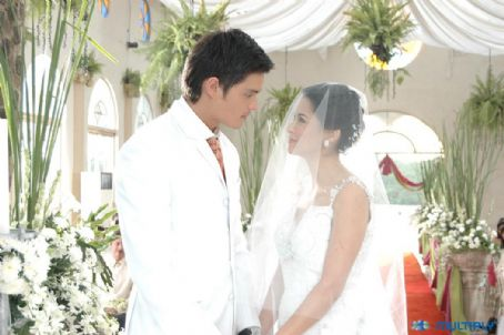 Dingdong Dantes and Marian Rivera