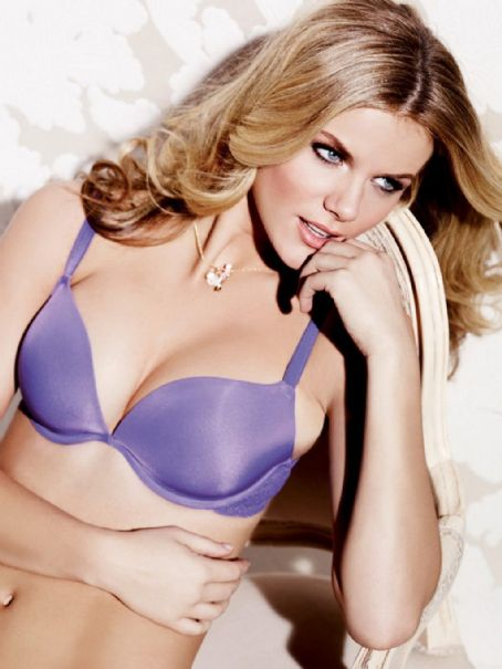 Brooklyn Decker - La Senza Lingerie