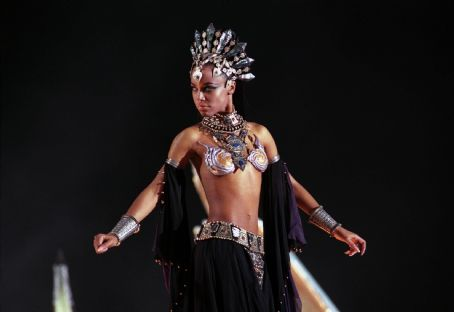 Queen of the Damned - Aaliyah in Warner Brothers' Queen of The Damned - 2002