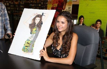 Nina Dobrev signing Seventeen magazines at Barnes & Noble in Atlanta, Georgia (September 15)