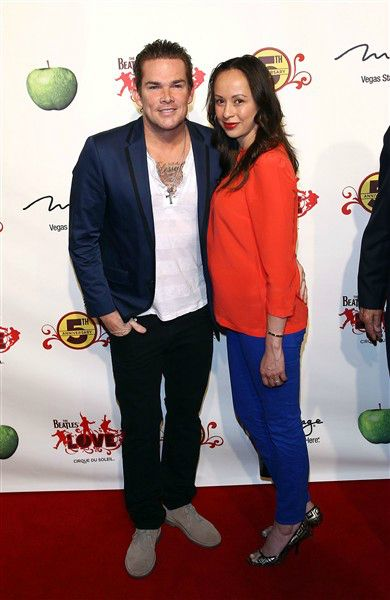 Mark McGrath Marries Longtime Girlfriend
