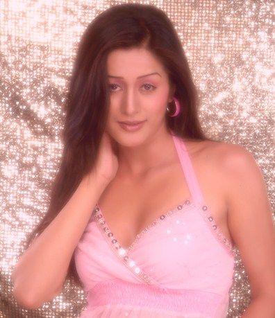 Melina Manandhar age