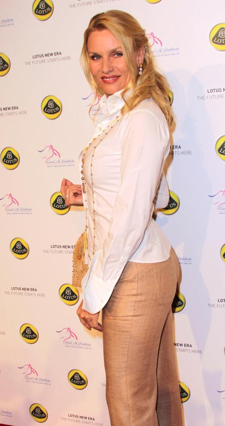 Nicollette Sheridan - U.S. Launch Event For Lotus New Era - 12/11/10