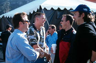 Peter Farrelly Producer Bradley Thomas, Jim Carrey with directors/co-screenwriters Bobby Farrelly and  on the set of 20th Century Fox's Me, Myself & Irene - 2000