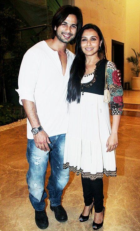 Shahid Kapoor at Farah Khan house warming party with Rani Mukherjee 2011
