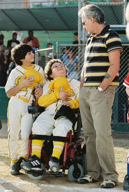 "Morris Buttermaker (Left to right) Jeffrey Tedmori as Garo, Troy Gentile as Matthew and Billy Bob Thornton as Buttermaker in ""The Bad News Bears."" Photo by: Deana Newcomb"