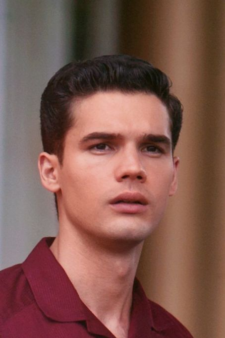 Steven Strait - Magic City (2012)