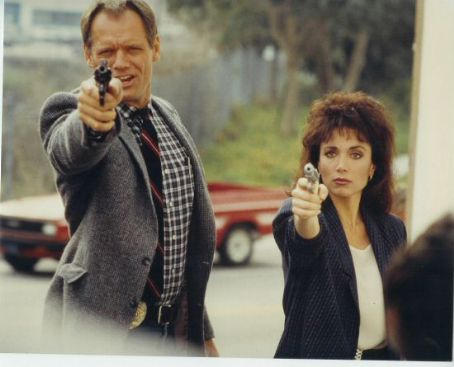 Stepfanie Kramer  & Fred Dryer, 1987