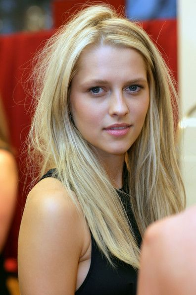 Teresa Palmer attends the Cartier Christmas Party at the Cartier Boutique on December 3, 2008 in Sydney, Australia.