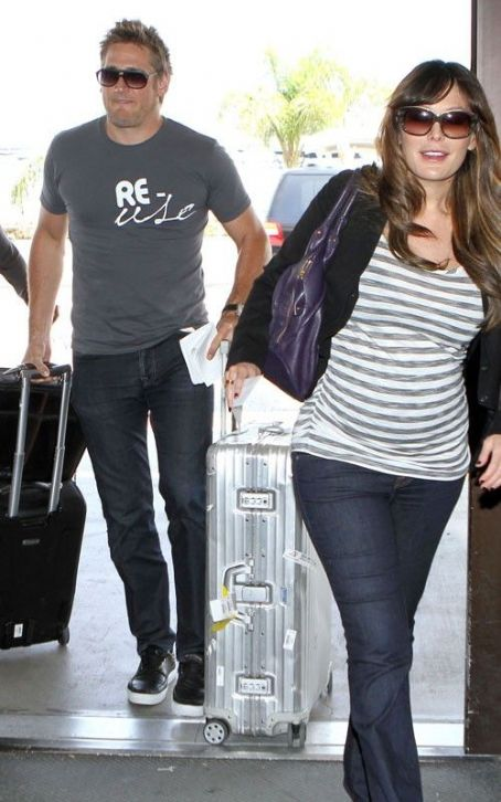 Pregnant Lindsay Price & Curtis Stone: LAX Lovers