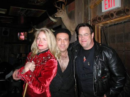 Donna Dixon  and husband Dan Akroyd with Tom Jones Impersonator