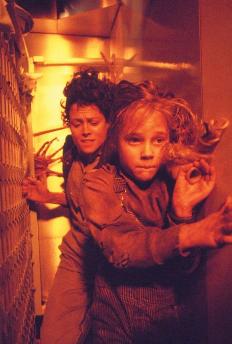 Carrie Henn Sigourney Weaver and  in Aliens (1986)