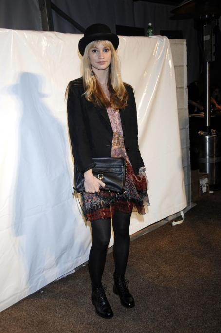 Cameron Richardson At The Mercedes-Benz Fall 2008 L.A. Fashion Week - Mar 10 2008