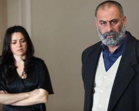 Turgut Tuncalp Merhamet (2013) / Episode 11