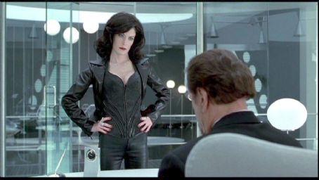 Serleena Men in Black II (2002)
