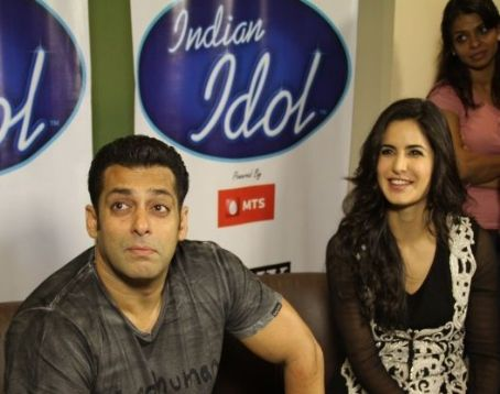 Katrina Kaif - SALMAN KHAN AND KATRINA KAIF ON THE SETS OF INDIAN IDOL 6