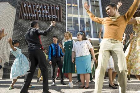 "Nikki Blonsky (left to right) Elijah Kelly stars as ""Seaweed"", Zac Efron as ""Link Larkin"", Amanda Bynes as ""Penny Pingleton"", and  as ""Tracy Turnblad"" in New Line Cinema's upcoming release of Adam Shank"