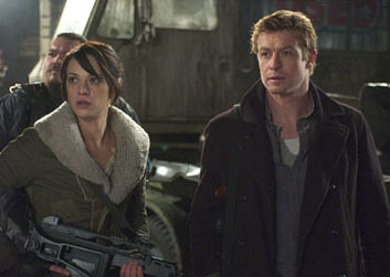 Simon Baker Mercenaries Riley (SIMON BAKER, right) and Slack (ASIA ARGENTO, left) in George Romero's Land of the Dead.