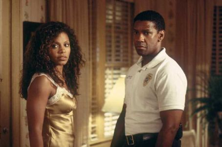 Out of Time Sanaa Lathan and Denzel Washington in MGM's Out Of Time - 2003